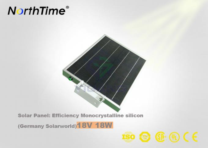 18W PV Panel Solar All In One Solar Street Light Lithium Battery 4M Mounting Height